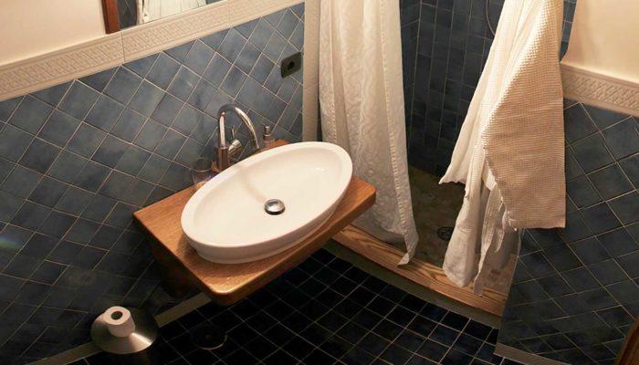 camera-matrimoniale-ponente-bagno